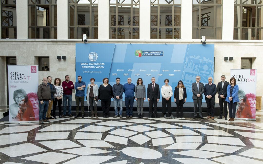 El Lehendakari recibe a representantes de las tres agencias vascas del voluntariado
